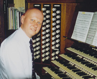 Photograph of Stephen Mott playing the organ at Durham Cathedral